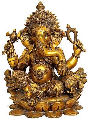 Large Size Kamalasana Chaturbhuja Ganesha