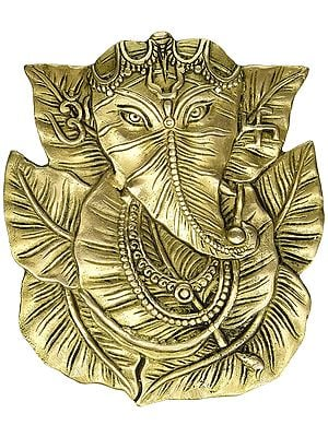 Pipal Leaf Ganesha  with Trishul on Forehead (Wall Hanging)