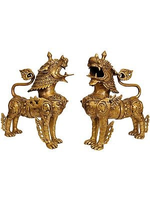Tibetan Buddhist Pair of Snow Lions