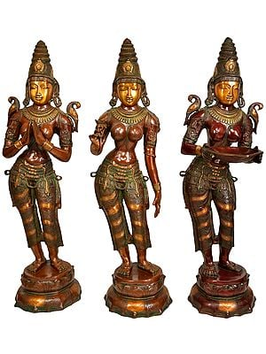 Set of Three Welcome Ladies