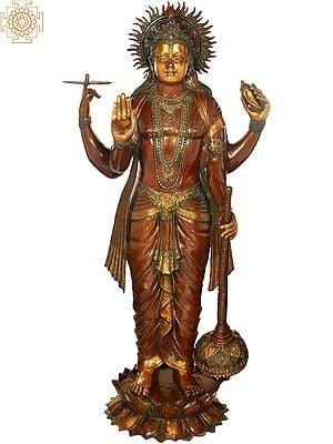 Haloed Chaturbhuja Vishnu, Of Lifelike Proportions