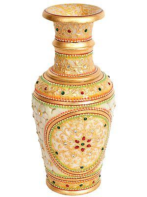 Decorated Flower Vase with Cut Lattice