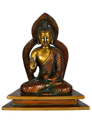 Tibetan Buddhist Seated Buddha, Aureole Matching His Silhouette
