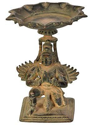 Garuda Wick Lamp