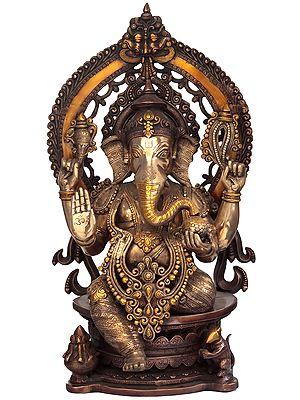 Blessing Ganesha with Kirtimukha Aureole