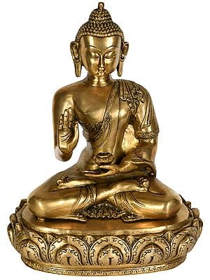 Monotone Buddha Preaching His Disciples
