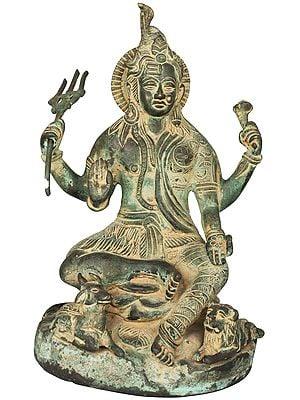 Twin-hued Ardhanarishvara