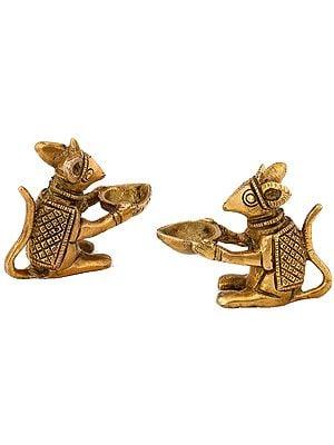 Ganesha's Mouse Sitting Oil Lamp Brass Diya Holding