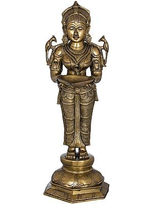 Deepalakshmi with Parrot on Her Shoulders