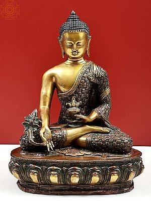 Medicine Buddha : Robe Decorated with Vishwa Vajra (Tibetan Buddhist Deity)