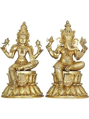 Lakshmi Ganesha Seated on Double Lotus
