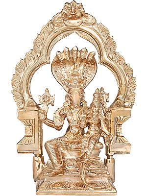 Bhagawan Hayagriva With Devi Lakhsmi