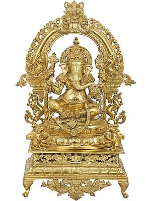 Superfine Lord Ganesha With Peacocks and Kirtimukha Aureole