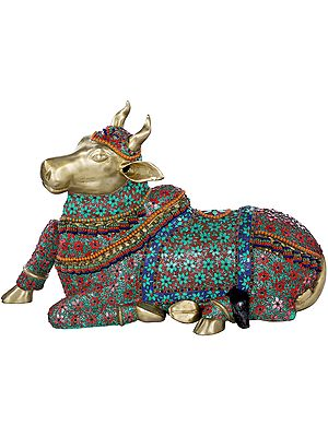 Large Nandi - Shiva's Mount and Gana