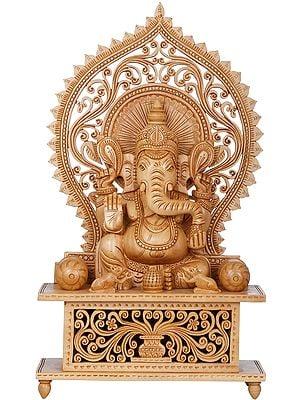 Ashirwad Ganesha with Large Prabhawali