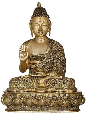 Padamasana Lord Buddha Clad In A Superbly Woven Robe