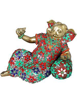 Relaxing Bal Ganesha
