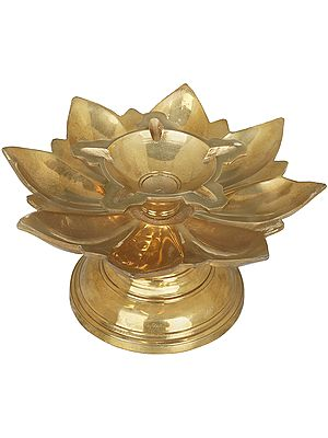 Five Wicks Lotus Deepam (Lamp)