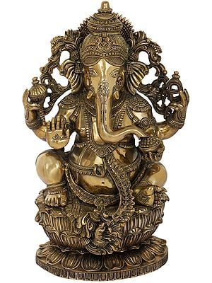 Superfine King Ganesha Seated on Lotus