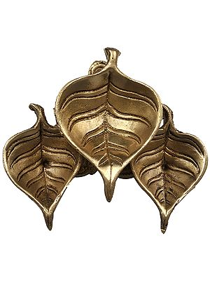 Pipal Leaf Shaped Tri-Puja Diya