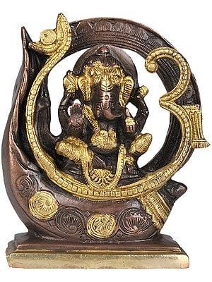Lord Ganesha in OM (AUM)
