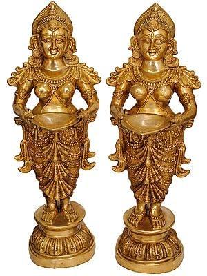 Vibrant Deepalakshmi Pair