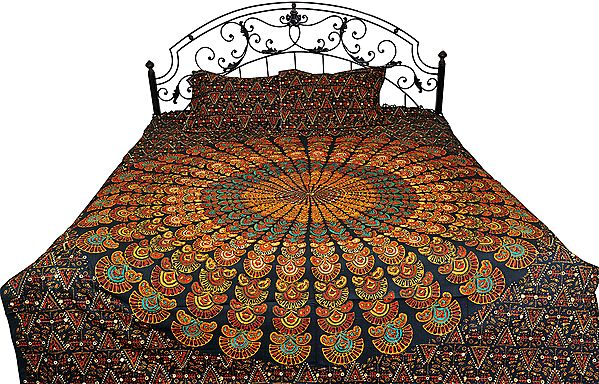 Bedspread from Pilkhuwa with Printed Giant Mandala