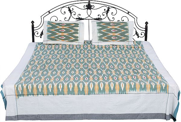 Bedspread from Pochampally with Ikat Weave