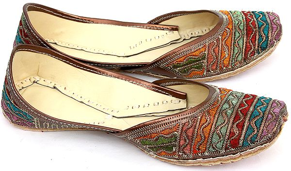Mojaris with Multi-color Embroidery
