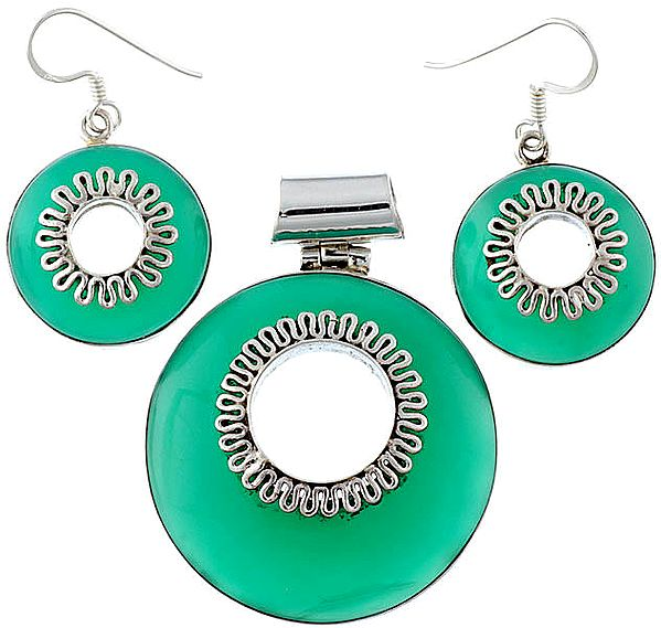 Green Onyx Pendant with Matching Earrings Set