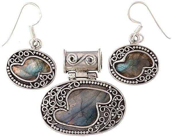 Labradorite Pendant with Earrings Set