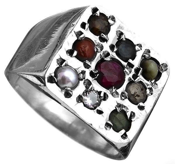 Navaratna Square Ring