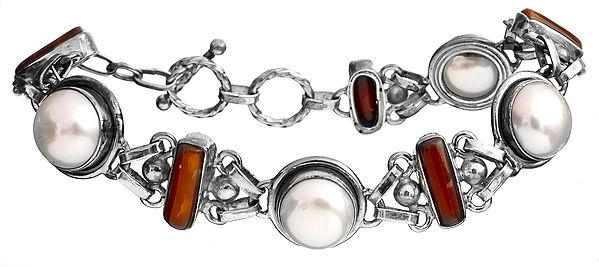 Pearl with Coral Bracelet