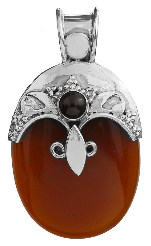 Carnelian Pendant with Garnet