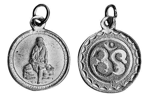 Shridi Sai Baba Pendant with OM (AUM) on Reverse (Two Sided Pendant)