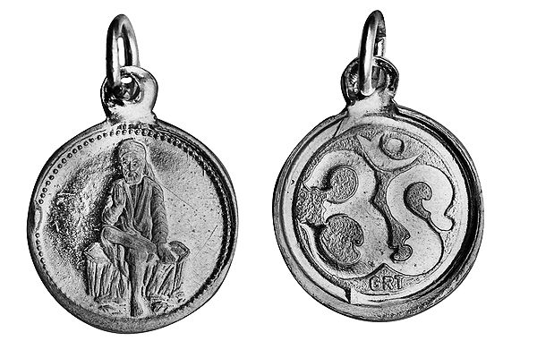 Shridi Sai Baba Pendant with OM (AUM) on Reverse (Two Sided Pendant)