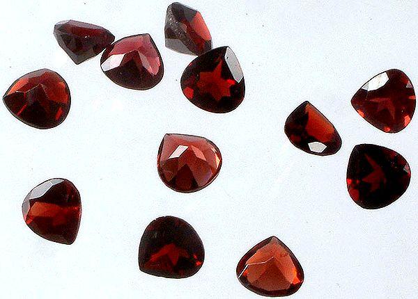 Garnet mm Heart Shape (Price Per 4 Pieces)