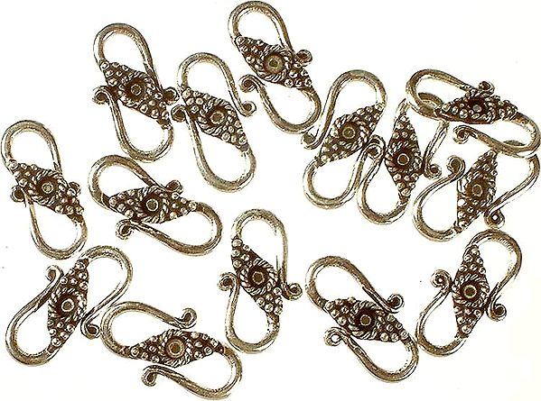 S Clasp with Granulation