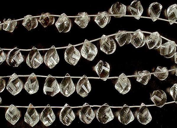 Twisted Crystal Faceted Drops