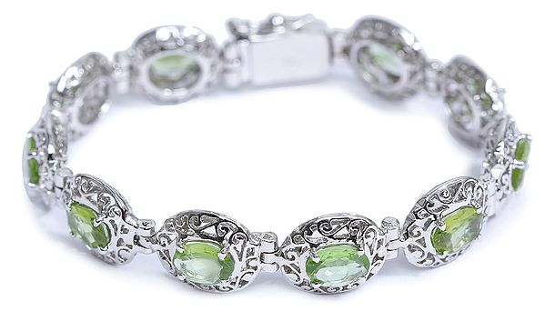 Superfine Peridot Bracelet with Lattice