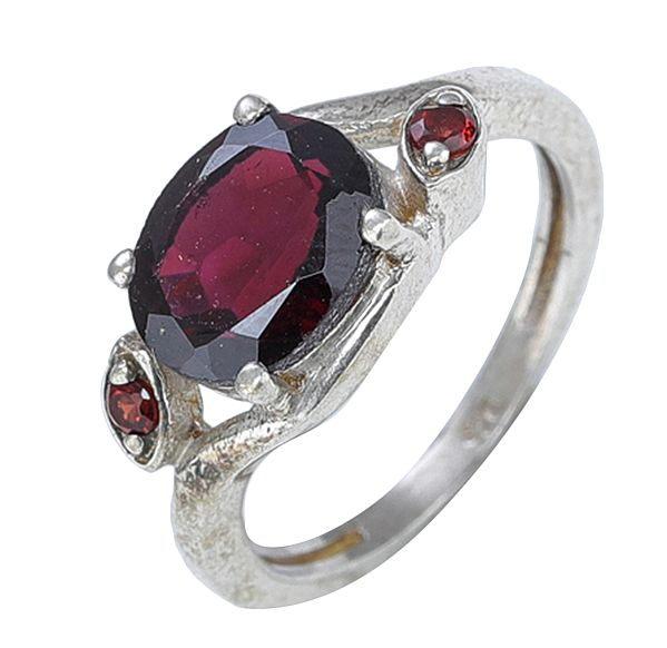 Sterling Silver Garnet Birthstone Ring