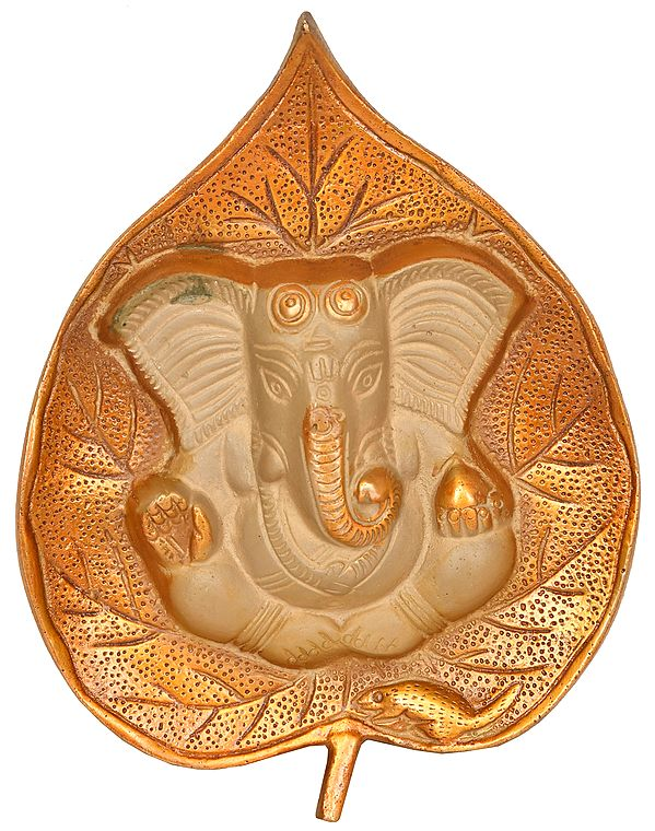 Pipal Leaf Ganesha Wall Hanging