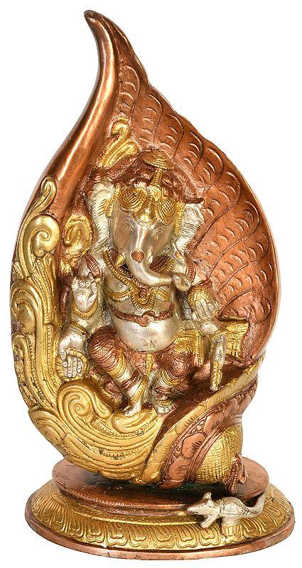 Dancing Ganesha in Conch