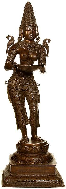 The Welcoming Deepalakshmi