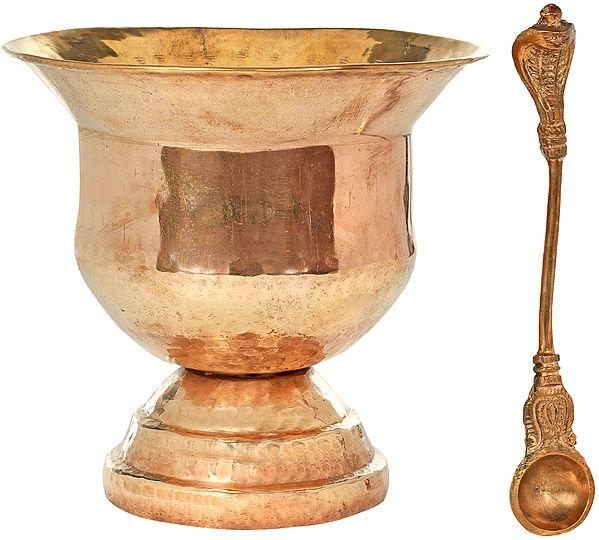 Big Vessel For Distributing Charnamrit