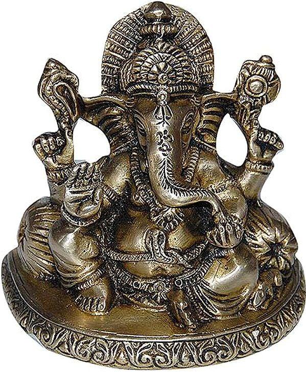 Lord Ganesha with Trishul Mark on Forehead
