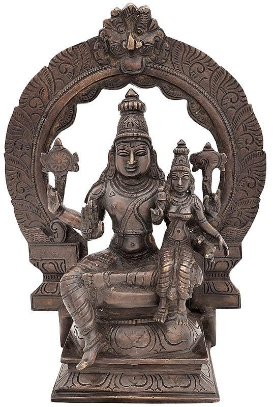 Lord Vishnu with Lakshmi Seated On Kirtimukha Prabhawali Throne
