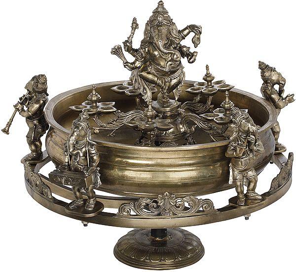 Rotating Pancha-Ganesha Urli, Nritya Ganesha At The Centre