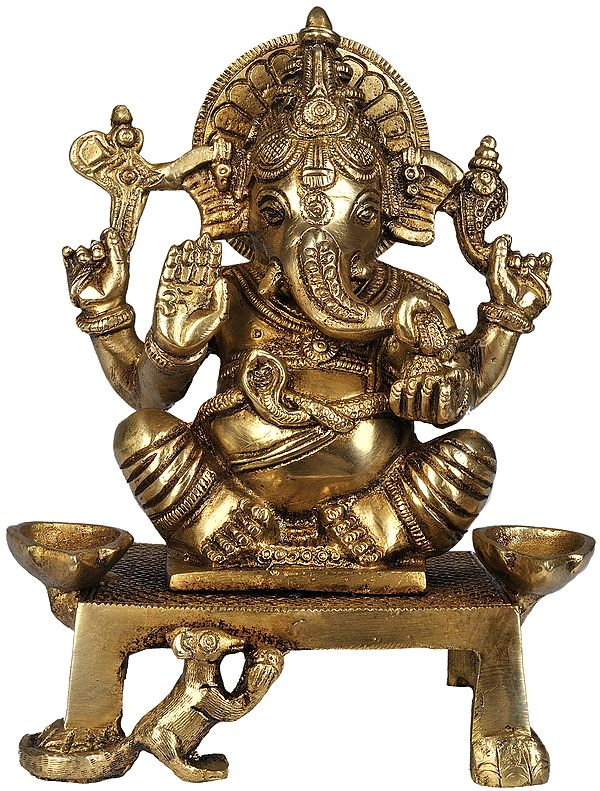 Shri Ganesha with Two Lamps (Altar Piece)