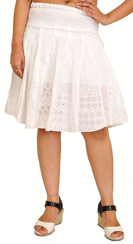 Egret-White Pleated Short Skirt with Chikan Embroidery